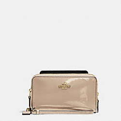 COACH DOUBLE ZIP PHONE WALLET IN PATENT LEATHER - IMITATION GOLD/PLATINUM - F57314