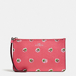 SMALL WRISTLET IN CHERRY PRINT COATED CANVAS - SILVER/PINK MULTI - COACH F57317