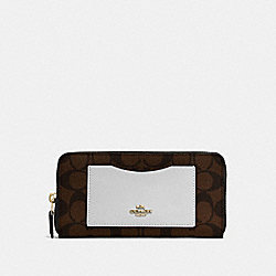 COACH ACCORDION ZIP WALLET IN COLORBLOCK SIGNATURE - IMITATION GOLD/BROWN NEUTRAL MULTI - F57318