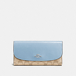 CHECKBOOK WALLET IN SIGNATURE COATED CANVAS - SILVER/LIGHT KHAKI - COACH F57319