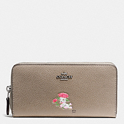 COACH BASEMAN X COACH ACCORDION ZIP WALLET IN POLISHED PEBBLE LEATHER - SILVER/FOG - F57390