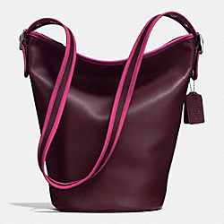 75TH ANNIVERSARY DUFFLE SHOULDER BAG IN GLOVETANNED CALF LEATHER - f57458 - BLACK ANTIQUE NICKEL/OXBLOOD 1/FUSCHIA