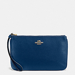 COACH LARGE WRISTLET IN CROSSGRAIN LEATHER - IMITATION GOLD/MARINA - F57465