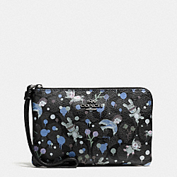 COACH BASEMAN X COACH CORNER ZIP WRISTLET IN SIGNATURE - CHARCOAL BLUE MULTI - F57573