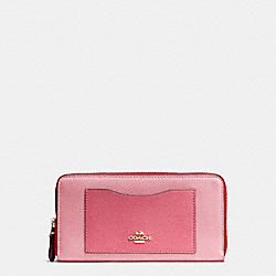 COACH ACCORDION ZIP WALLET IN GEOMETRIC COLORBLOCK CROSSGRAIN LEATHER - IMITATION GOLD/STRAWBERRY/OXBLOOD MULTI - F57605