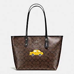 NYC TAXI CITY ZIP TOTE IN SIGNATURE - f57615 - SILVER/BROWN/BLACK