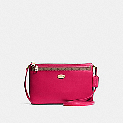 EAST/WEST CROSSBODY WITH POP-UP POUCH IN CROSSGRAIN LEATHER - f57788 - IMITATION GOLD/BRIGHT PINK