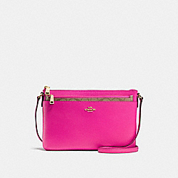 COACH EAST/WEST CROSSBODY WITH POP-UP POUCH IN CROSSGRAIN LEATHER - IMITATION GOLD/BRIGHT FUCHSIA - F57788