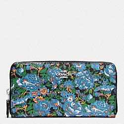 COACH ACCORDION ZIP WALLET IN ROSE MEADOW FLORAL PRINT - SILVER/BLUE MULTI - F57966