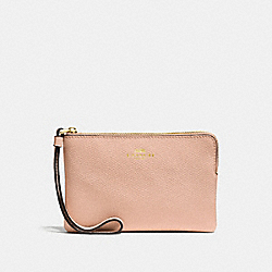 COACH CORNER ZIP WRISTLET IN CROSSGRAIN LEATHER - IMITATION GOLD/NUDE PINK - F58032