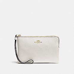 COACH CORNER ZIP WRISTLET IN CROSSGRAIN LEATHER - IMITATION GOLD/CHALK - F58032