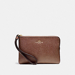 COACH CORNER ZIP WRISTLET IN CROSSGRAIN LEATHER - LIGHT GOLD/SADDLE 2 - F58032