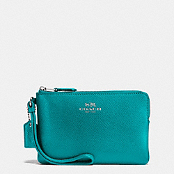 COACH CORNER ZIP WRISTLET IN CROSSGRAIN LEATHER - SILVER/TURQUOISE - F58032