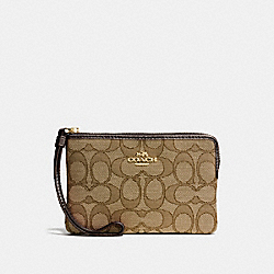 COACH CORNER ZIP WRISTLET IN OUTLINE SIGNATURE - IMITATION GOLD/KHAKI/BROWN - F58033