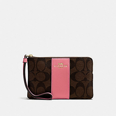 COACH CORNER ZIP WRISTLET IN SIGNATURE CANVAS - BROWN/PEONY/LIGHT GOLD - F58035