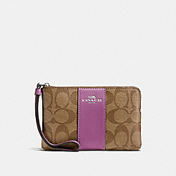 CORNER ZIP WRISTLET IN SIGNATURE COATED CANVAS WITH LEATHER STRIPE - f58035 - SILVER/KHAKI