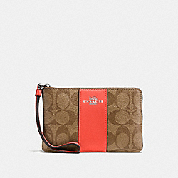 CORNER ZIP WRISTLET IN SIGNATURE COATED CANVAS WITH LEATHER STRIPE - SILVER/KHAKI - COACH F58035