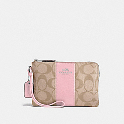 CORNER ZIP WRISTLET IN SIGNATURE CANVAS - LIGHT KHAKI/CARNATION/SILVER - COACH F58035