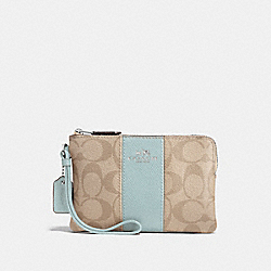 CORNER ZIP WRISTLET IN SIGNATURE CANVAS - LIGHT KHAKI/SEAFOAM/SILVER - COACH F58035
