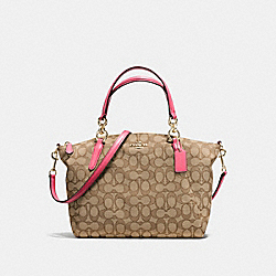 SMALL KELSEY SATCHEL IN OUTLINE SIGNATURE - f58283 - IMITATION GOLD/KHAKI STRAWBERRY