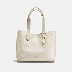 COACH DERBY TOTE IN PEBBLE LEATHER - IMITATION GOLD/CHALK NEUTRAL - F58660