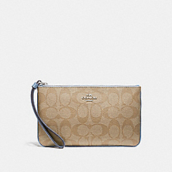 COACH LARGE WRISTLET IN SIGNATURE CANVAS - LIGHT KHAKI/POOL/SILVER - F58695