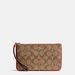 LARGE WRISTLET IN SIGNATURE COATED CANVAS - SILVER/KHAKI - COACH F58695