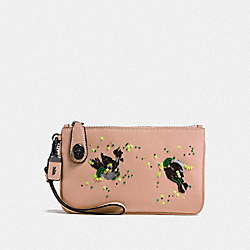 TURNLOCK WRISTLET 21 WITH MEADOWLARK - BP/NUDE PINK - COACH F58733