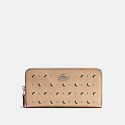 ACCORDION ZIP WALLET IN PERFORATED CROSSGRAIN LEATHER - f59059 - SILVER/BEECHWOOD