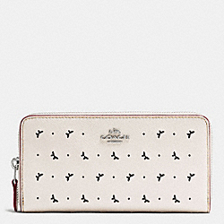 ACCORDION ZIP WALLET IN PERFORATED CROSSGRAIN LEATHER - f59059 - SILVER/CHALK
