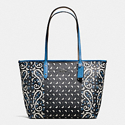 CITY ZIP TOTE IN BUTTERFLY BANDANA PRINT COATED CANVAS - f59329 - SILVER/BLACK LAPIS