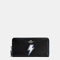 LIGHTNING BOLT ACCORDION ZIP WALLET IN PEBBLE LEATHER WITH TWO TONE ZIPPER - f59336 - SILVER/MULTICOLOR