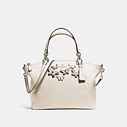 SMALL KELSEY SATCHEL IN PEBBLE LEATHER WITH BUTTERFLY APPLIQUE - f59354 - SILVER/CHALK