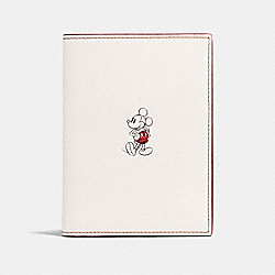 PASSPORT CASE IN GLOVE CALF LEATHER WITH MICKEY - f59411 - CHALK