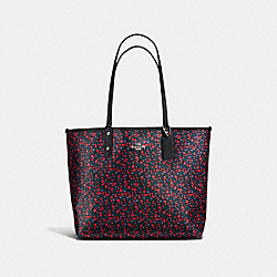 REVERSIBLE CITY TOTE IN RANCH FLORAL PRINT COATED CANVAS - f59441 - SILVER/BRIGHT RED