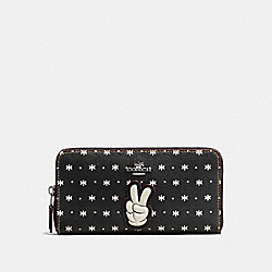 COACH ACCORDION ZIP WALLET WITH PRAIRIE BANDANA PRINT AND MICKEY - BLACK ANTIQUE NICKEL/BLACK - F59728