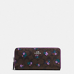 SLIM ACCORDION ZIP WALLET IN SIGNATURE C RANCH FLORAL PRINT COATED CANVAS - f59729 - SILVER/BROWN MULTI