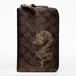 COACH DRAGON SIGNATURE TRAVEL WALLET - ONE COLOR - F61533