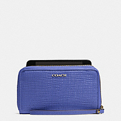 MADISON EAST/WEST UNIVERSAL CASE IN EMBOSSED LEATHER - LIGHT GOLD/PORCELAIN BLUE - COACH F62171