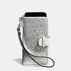 COACH BLEECKER PHONE WRISTLET IN METALLIC CRACKLE CANVAS - SILVER/WHITE - F62173