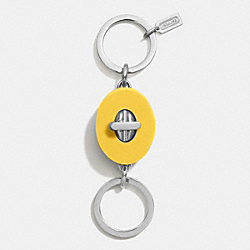 RESIN OVAL TURNLOCK VALET KEY CHAIN - SVCKG - COACH F62192