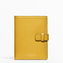 COACH LEATHER PASSPORT CASE - ONE COLOR - F62834