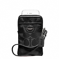 COACH SIGNATURE NYLON UNIVERSAL CASE - ONE COLOR - F62835