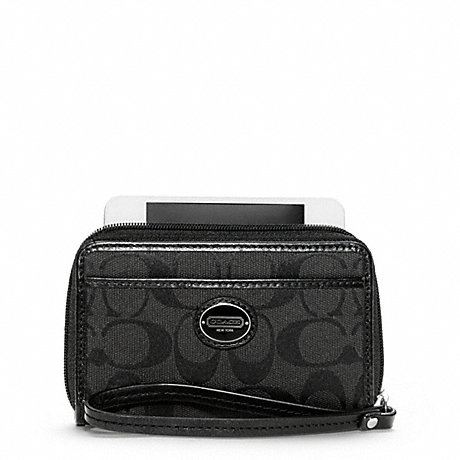 COACH SIGNATURE EAST/WEST UNIVERSAL CASE -  - f63056