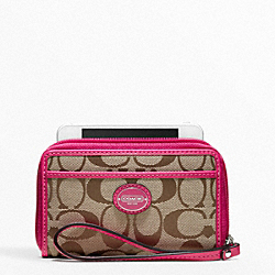COACH SIGNATURE EAST/WEST UNIVERSAL CASE - ONE COLOR - F63056
