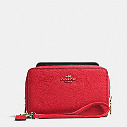 COACH DOUBLE ZIP PHONE WALLET IN EMBOSSED TEXTURED LEATHER - LIGHT GOLD/RED - F63112