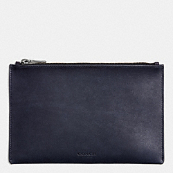 COACH ARTISAN MEDIUM POUCH IN SPORT CALF LEATHER - MIDNIGHT - F63226