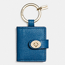 LEATHER TURNLOCK PICTURE FRAME KEY RING - GOLD/DENIM - COACH F63351