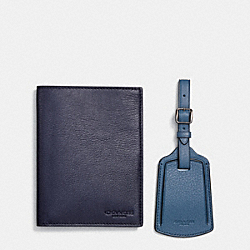 COACH PASSPORT CASE AND LUGGAGE TAG IN LEATHER - MIDNIGHT NAVY - F64120
