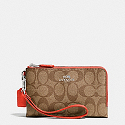 COACH DOUBLE CORNER ZIP WRISTLET IN SIGNATURE - SILVER/KHAKI/ORANGE - F64131